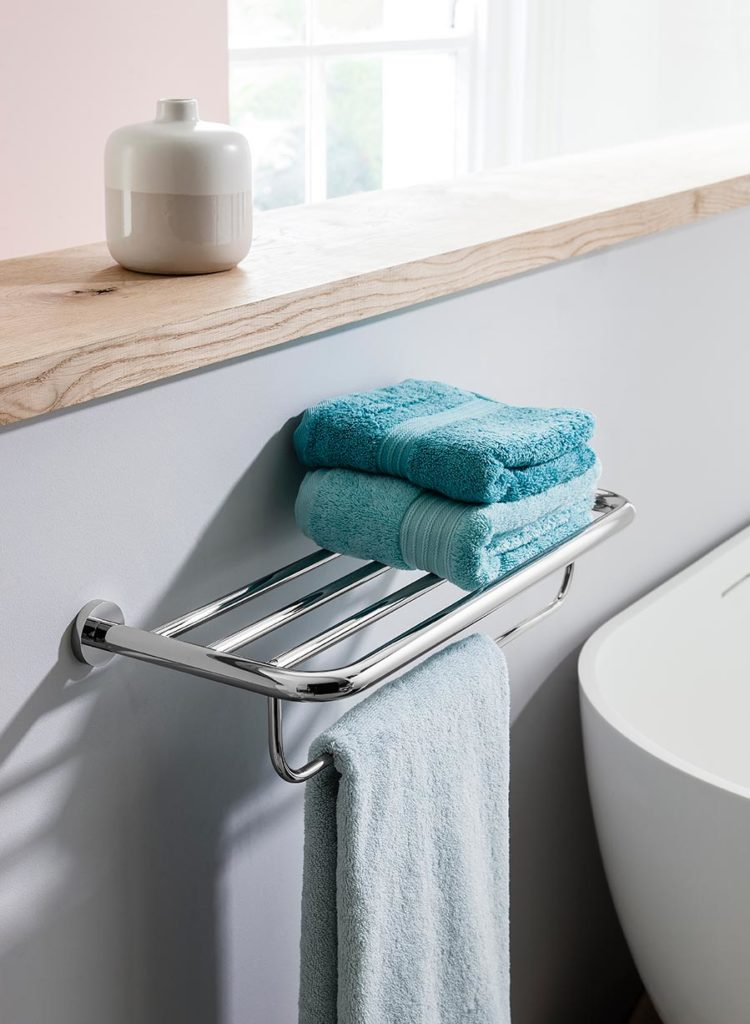 Central Towel Rail